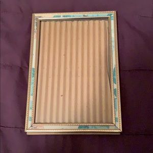 4 x 6 gold accent frame
